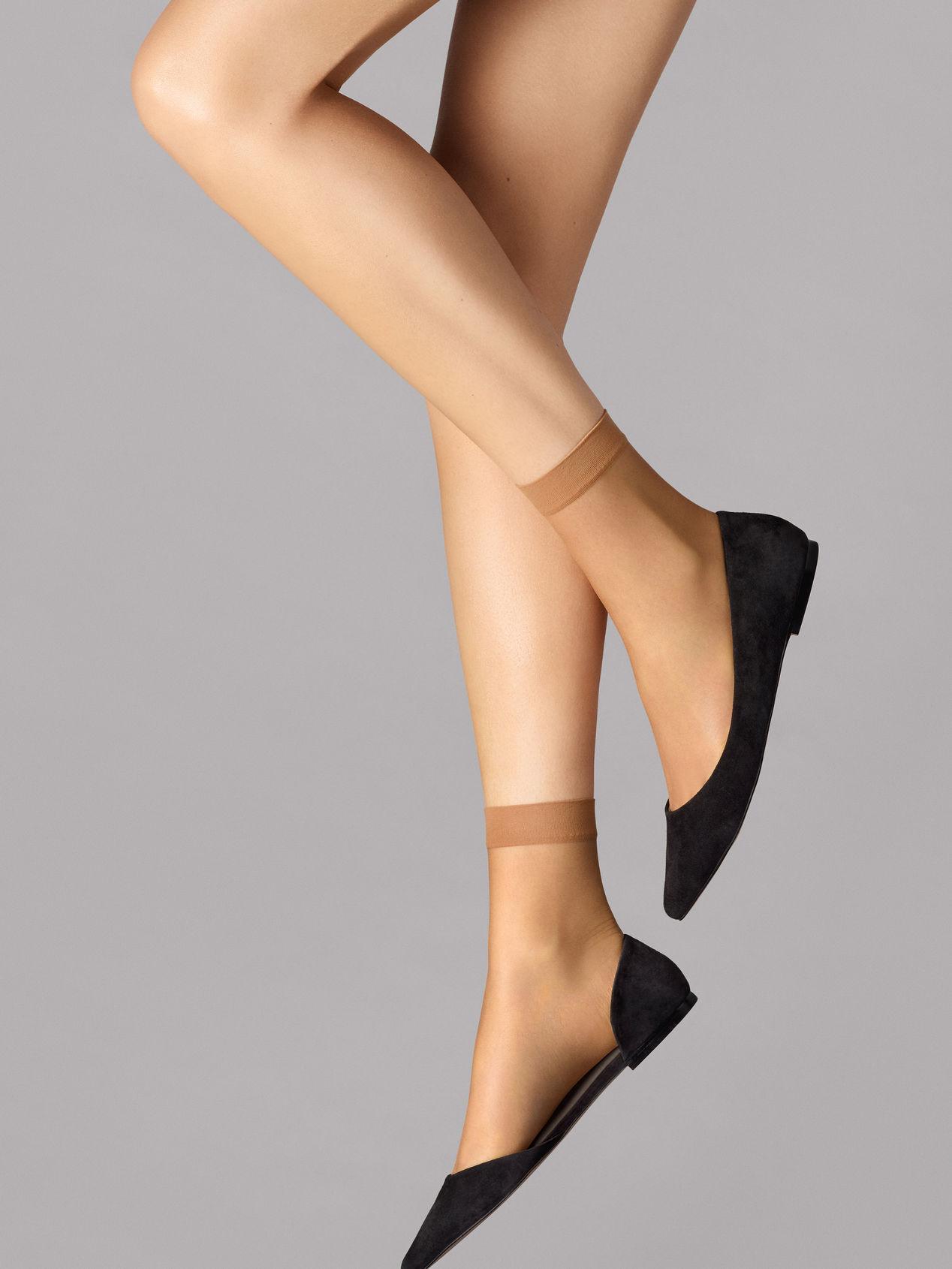 Wolford Nude 8 socks