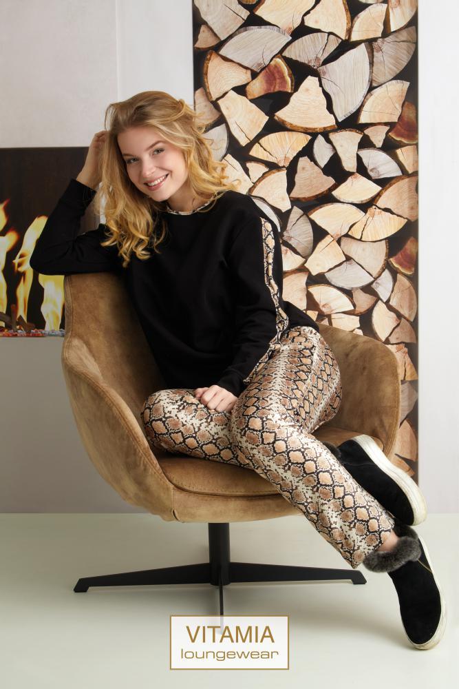 Vitamia Sweater zwart + broek leopard