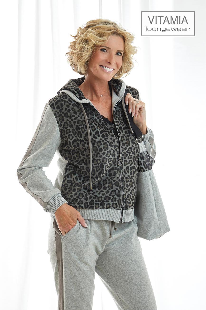Vitamia Vest met kap leopard + top + broek effen