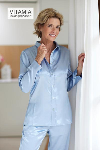 Vitamia Satin Pyjama met knopen